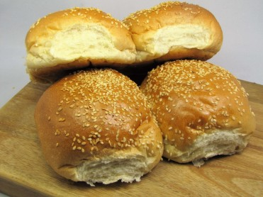 4 Large Seeded Burger Buns